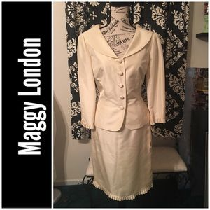 🆕 NWT! Maggy London 100% Silk Champagne Suit